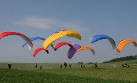 Paragliding jako teambuilding